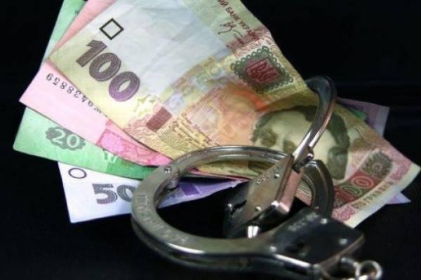 Яворівські поліцейські викрили зловмисника, причетного до крадіжки грошей у водія вантажівки