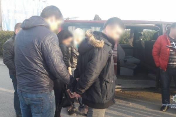 На кордоні з Польщею затримали громадянина, який вербував жінок для роботи в секс-індустрії